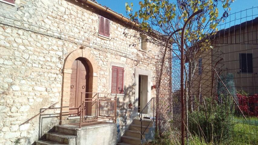 Il Forno della Strega - Casa in pietra del '500 - Baruccio - Rumah