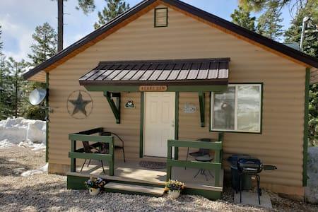 The Bear Cabin in Duck near Bryce and Zion