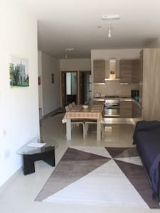 A New Warm Apartment Near The Airport