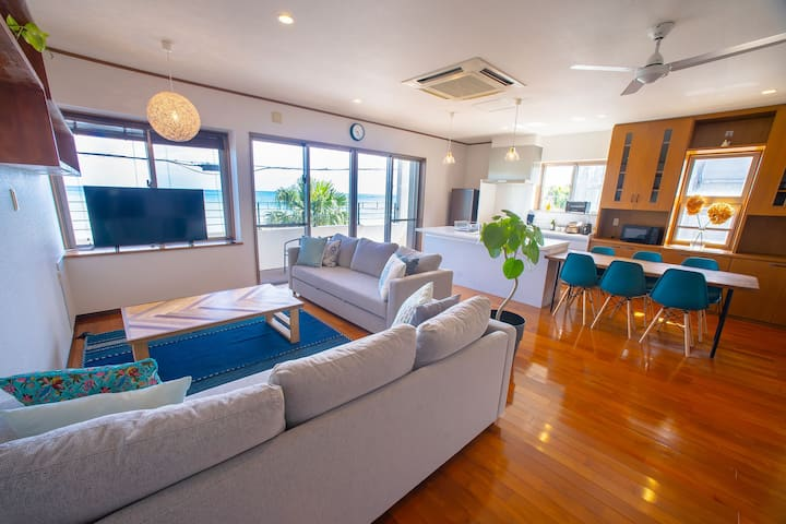 Ocean Front Condo☆BLUE POINT OKINAWA
