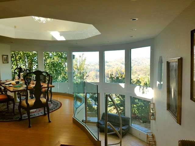 Lake Hollywood Celebrity Home - Los Angeles - Hus