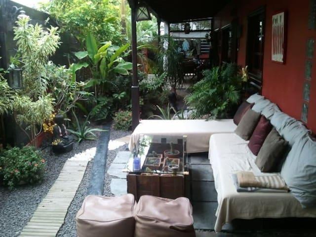 Habitación individual privada en UGA