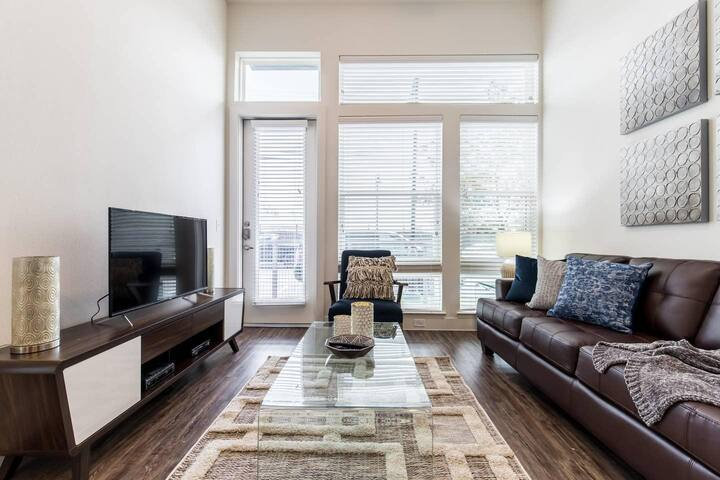 Trinity Groves 5220 · Trinity Groves-5220 |Corporate|1Bed|Pool View