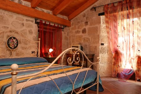 Camera in Country House - Abbateggio - Bed & Breakfast