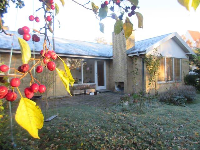 Hus med atmosfære - Vester Skerninge - Huis