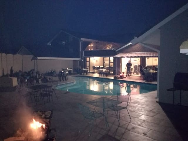 Skylight Lodge Family Room 4