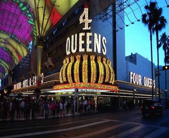 Four Queens Hotel & Casino Downtown Las Vegas
