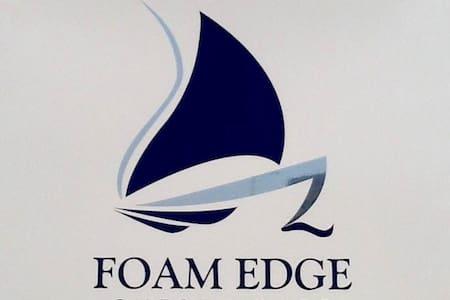 Foam Edge 5 star b&b overlooking sea - Porthcawl