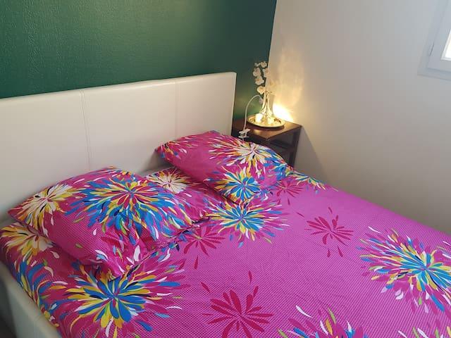 Cosy Room near to all amenities, Belle de Mai