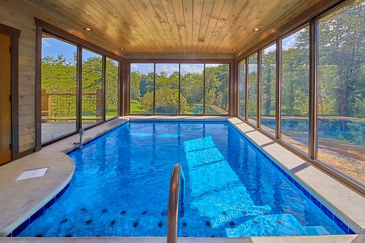 Smoky Mtn Springs - 3 Bedroom...and a POOL!!!