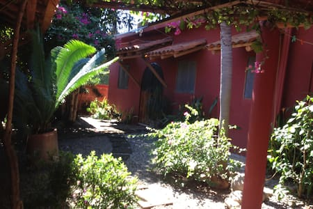 Loma de Mar, familia, 8min. Playa Linda