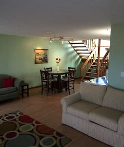 Charming 2bd condo-Heart of Poconos - East Stroudsburg