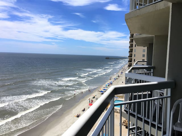 Oceanfront Condo-1BR,2BA -Totally Redone Unit 810