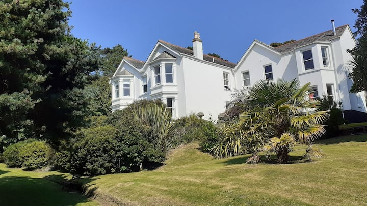 Trelowen, self-contained apartment - Helford River
