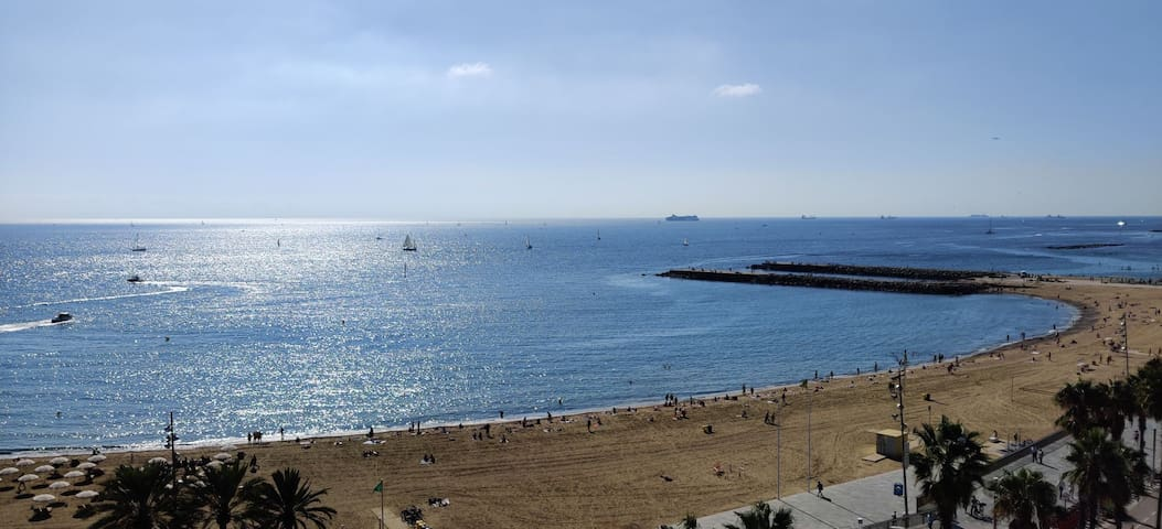 Best location and view in Barcelona. Center.