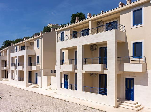 "Very New ""Spanjola"" Apartment"