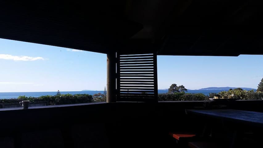Humble Cabin with the Best Views - Whangapoua - Casa