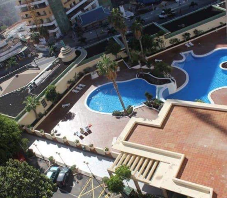 2 free swimming pool