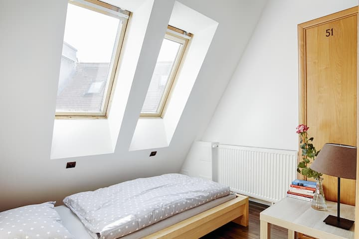 Single Room - Max Berg Hostel