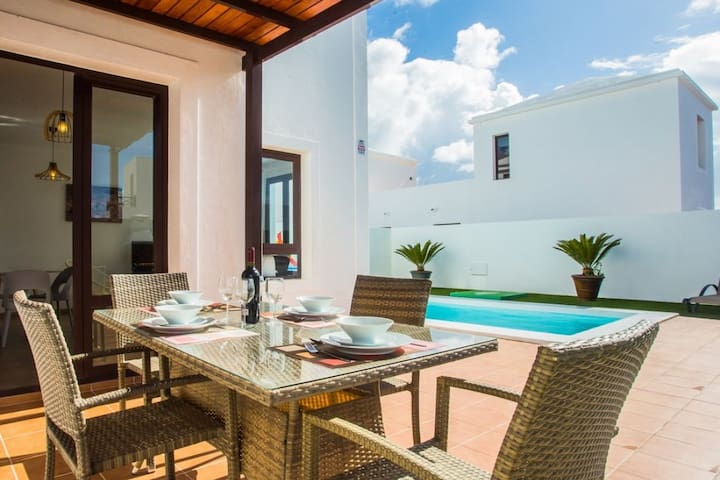 Casa Michelle - Fabulous 2 Bed Villa with pool