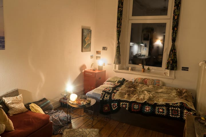 beautiful room in flatshare in the best location