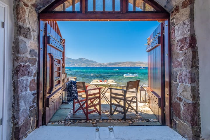 Neosikos Amazing Beach House @ Traditional Sirma