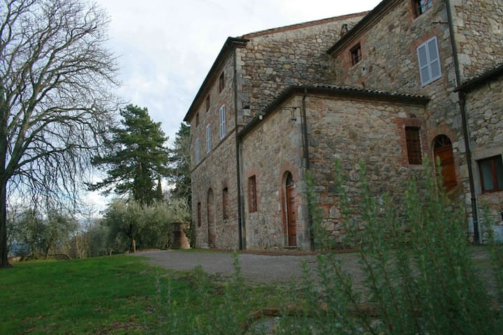 Finestre sulla Toscana: Casella 2°p - Palazzone - Apartamento