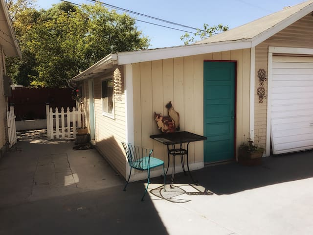 Lovely garden studio in Eagle Rock