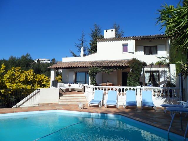 Splendide Villa piscine jardin clim - Nice - Villa