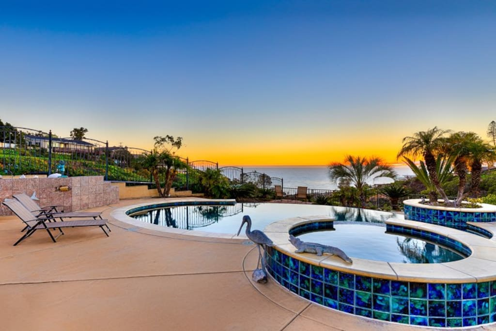 Jacuzzi & pool at sunset.