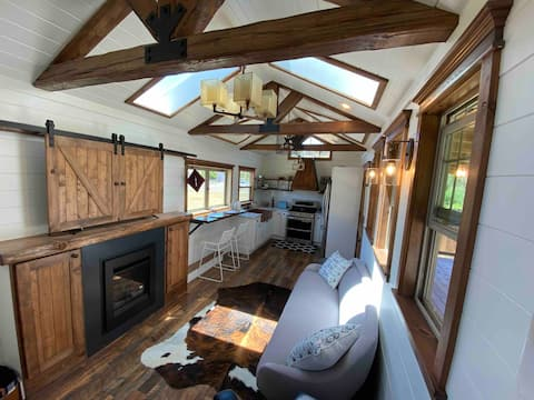 Adorable Tiny House Wine Country Farm Stay