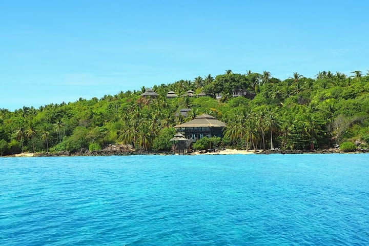 UNIQUE IN KARIMUNJAWA : BOUTIQUE LODGE AND BEACH