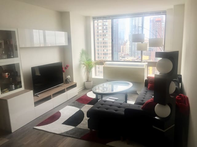 1 BR apartment near Times Square