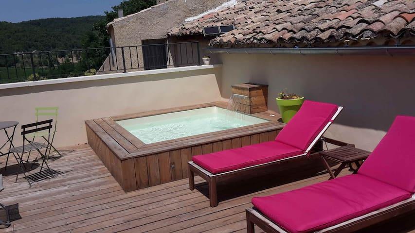 Chambre double avec sdb privée+pdj +accès Jaccuzi - Vinsobres - Huis