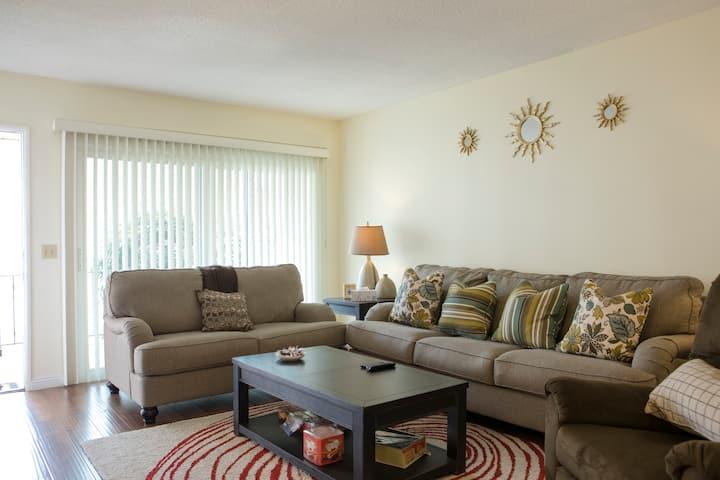 2B2B comfortable suite