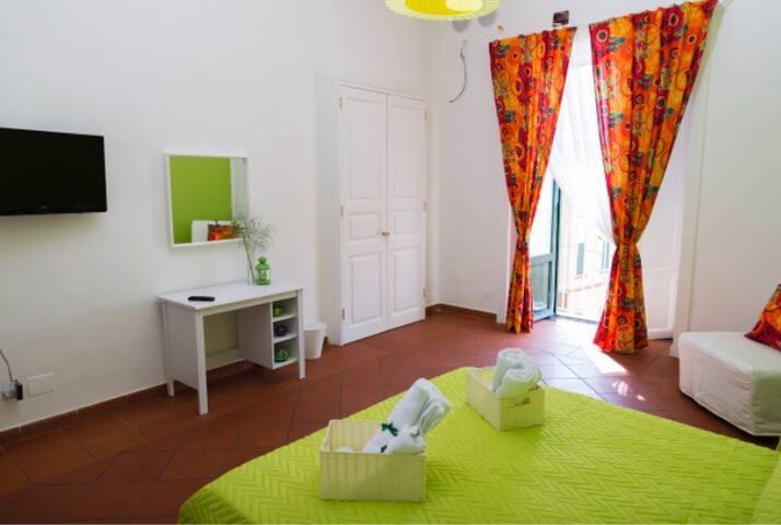 Camera da letto tropical suite