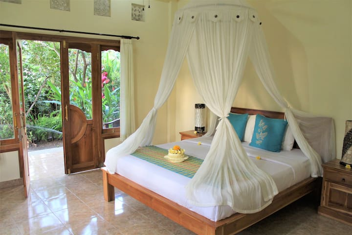 RESTU GUEST HOUSE DOUBLE BED ROOM