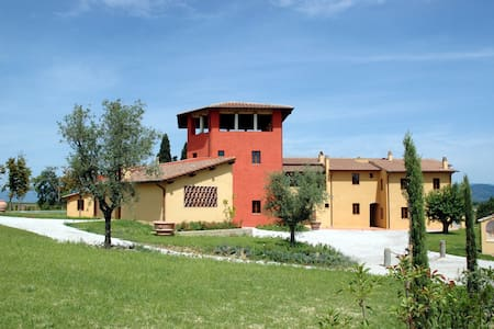 Borgo Di Vinci - Vinci 5, sleeps 4 guests - Cerreto Guidi