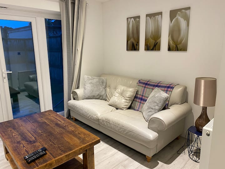 Beautifully presented two bed garden flat