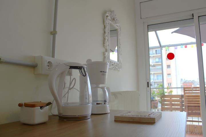 Kitchenette area where you can easily prepare breakfeast and light meal