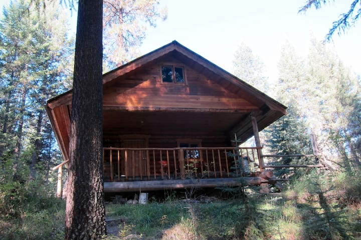 Cozy Cabin on the River - Westbridge - Hytte