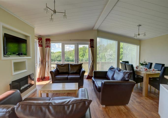 Cackle Hill Lodge 2