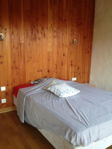 chambre privé au pied du village de Saint-Paul