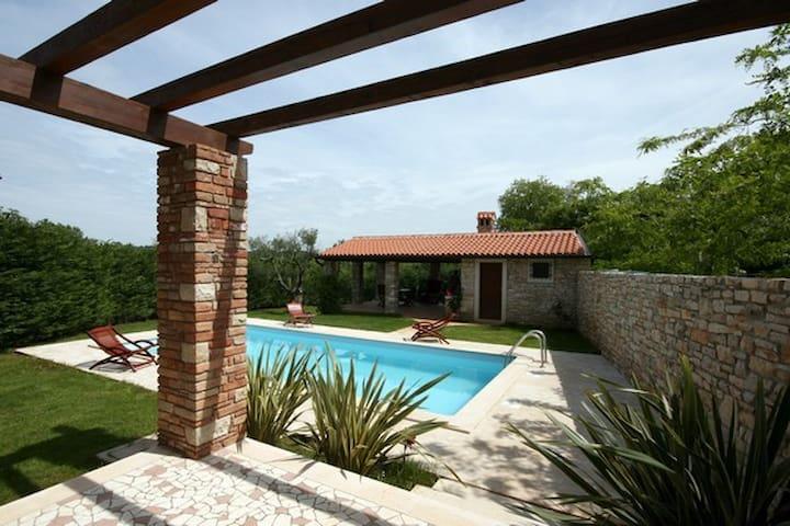 ANTONY villa for 6 in Umag, Croatia - Umag - Huvila