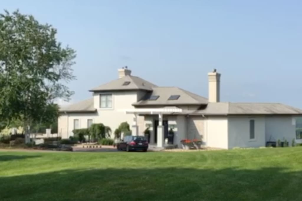 Front view of the home.