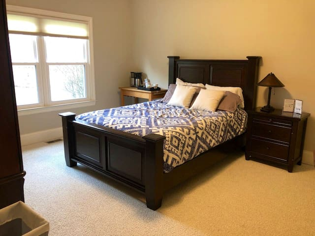 2 Bdrm/1 Bath, by Austin Landing! *NO CLEANING FEE