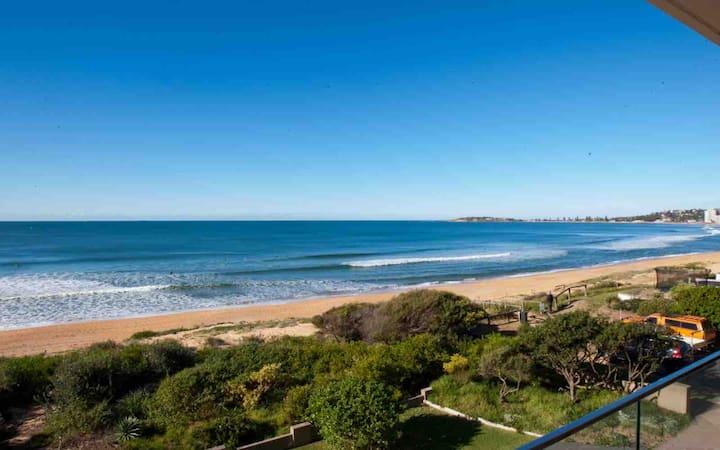 Beautiful Sydney Beachfront Luxury Apartment
