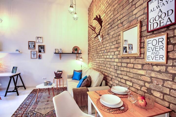 SHR BpMignonHome, Stylish & Unique Interior-A/C!