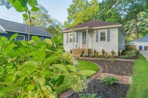 Classic & Tasteful Cottage Steps to Spring Lake