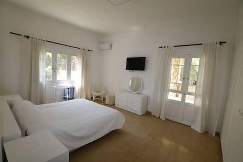 Gardenia @ Al Karem Guesthouse B&B - Rahbeh